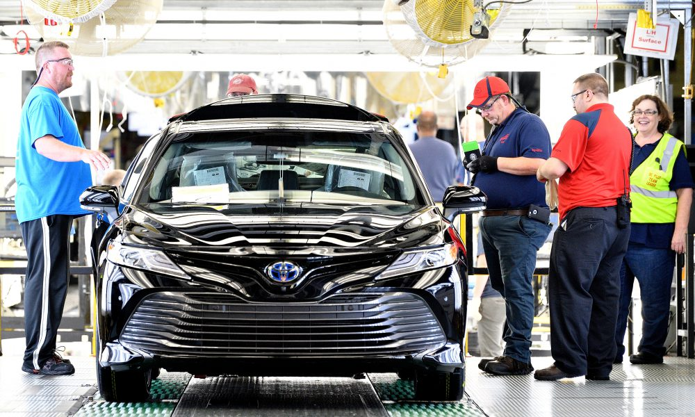 2018 Toyota Camry Lineoff 04