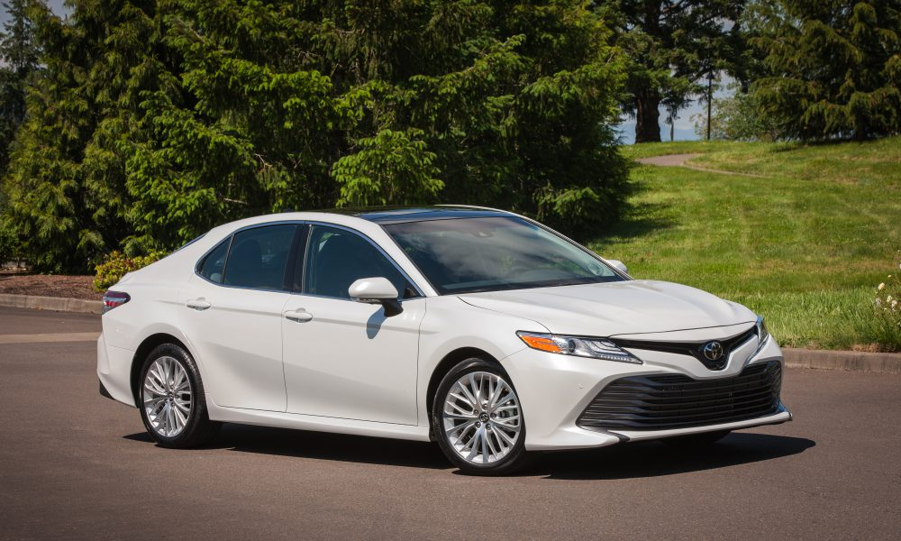 2018 Toyota Camry XLE 01