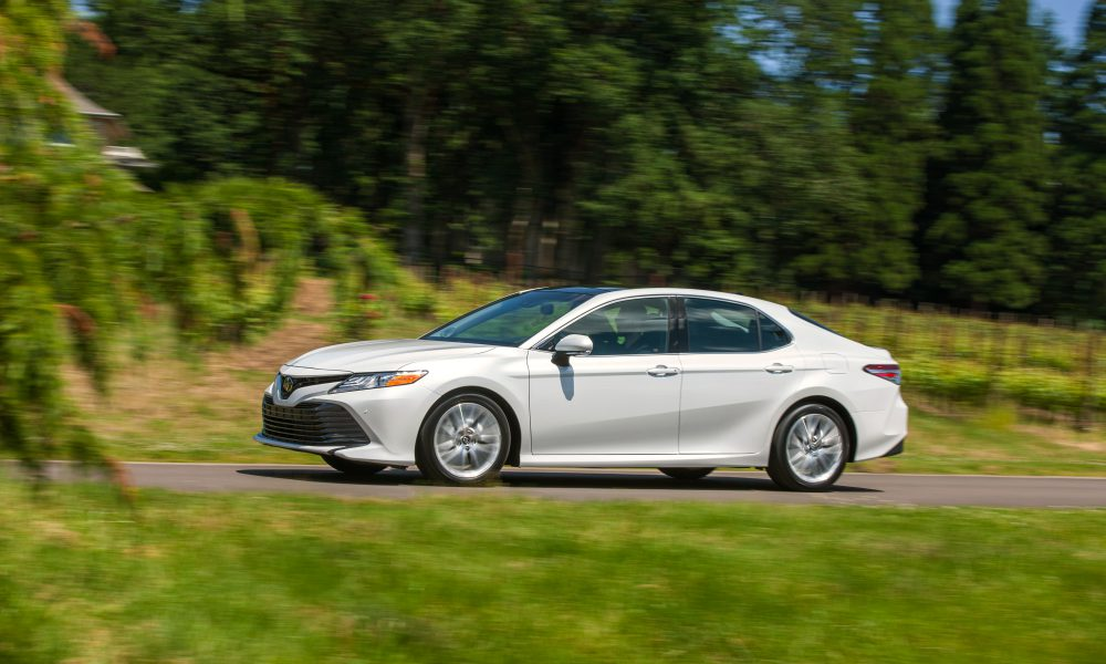 2018 Toyota Camry XLE 02
