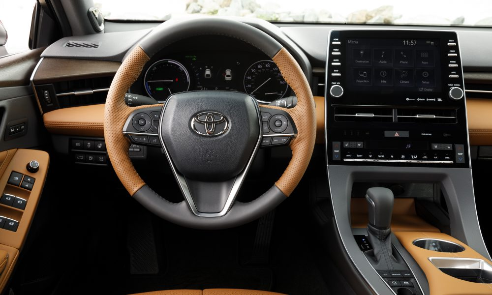 2019 Toyota Avalon All-New Hybrid Limited 19