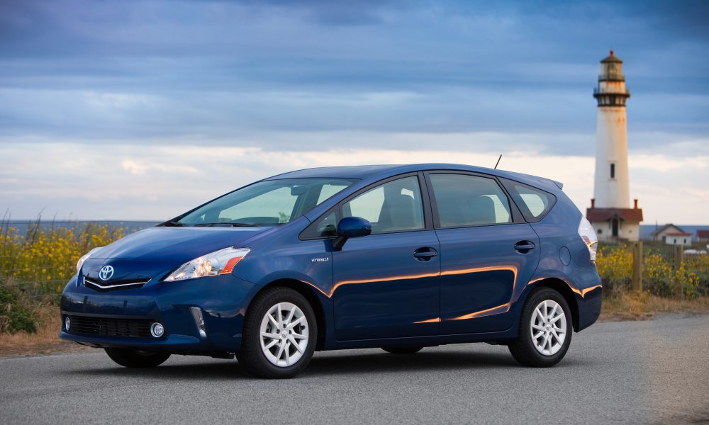 2012 – 2013 Toyota Prius v Two and Three 002