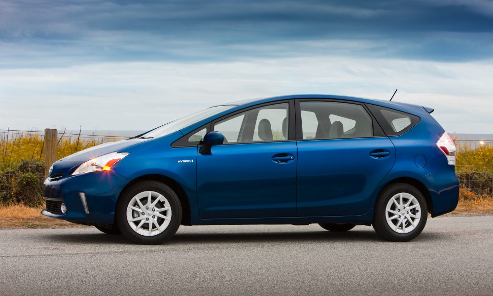 2012 – 2013 Toyota Prius v Two and Three 003