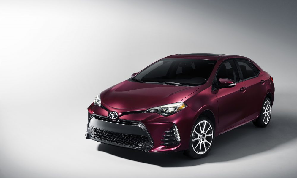 2016 NYIAS – 2017 Toyota Corolla 50th Anniversary Special Edition 001