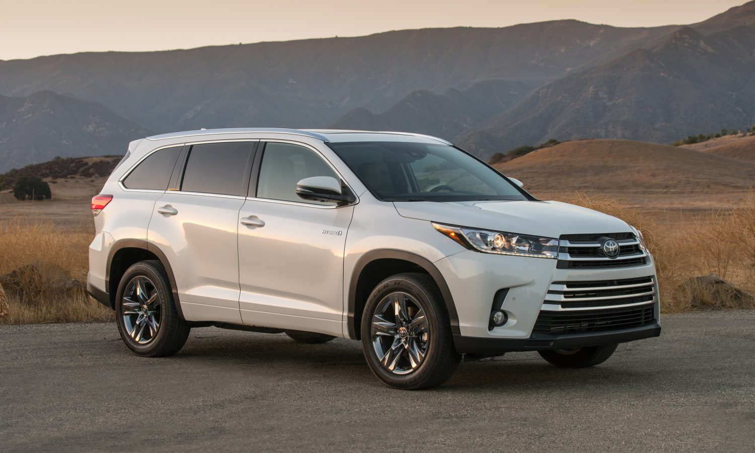 2018 Toyota Highlander Delivers on Value, Safety Features and Performance  for Families of All Sizes