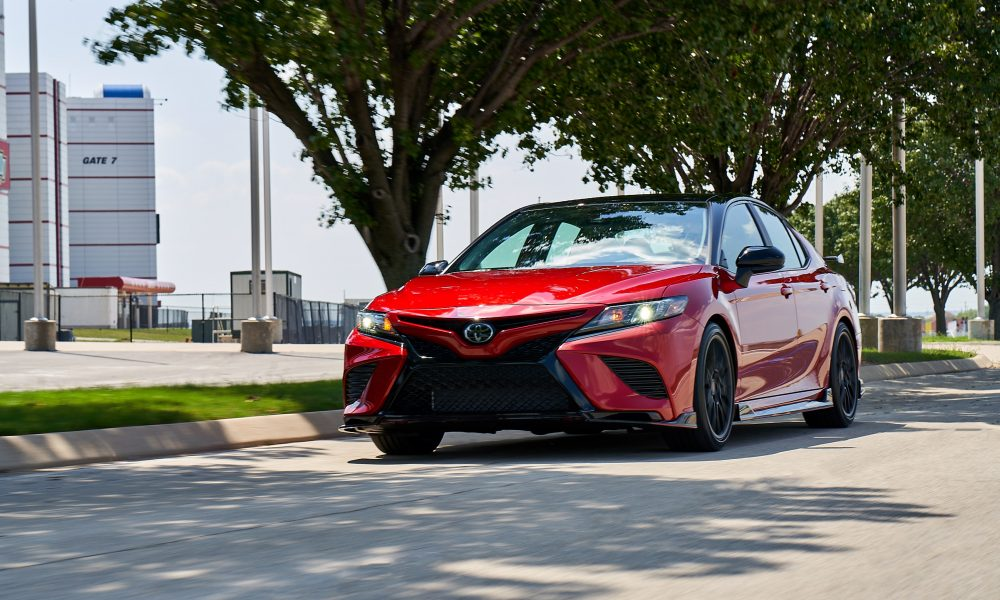 2020 Camry TRD_SupersonicRed_MidnightRoof_002