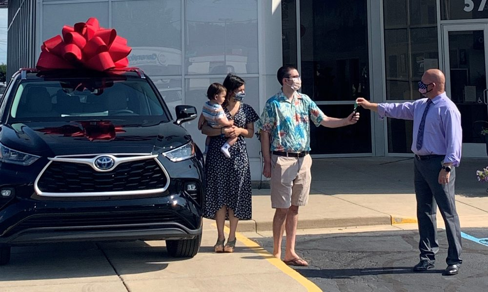 Highlander Goes the Distance With 2 Millionth U.S. Vehicle Sold