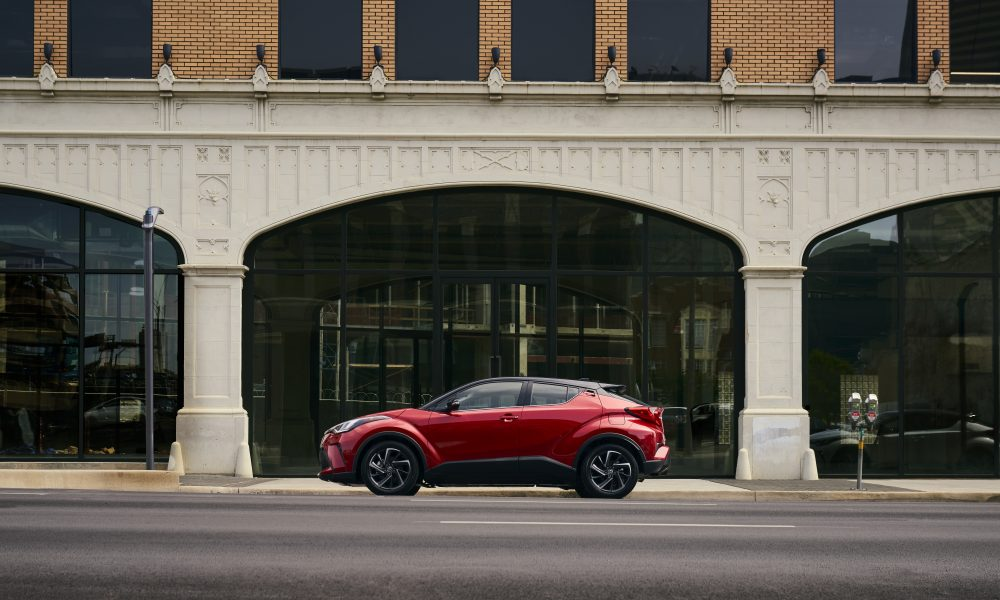 2021_Toyota_CHR_Supersonic Red_01