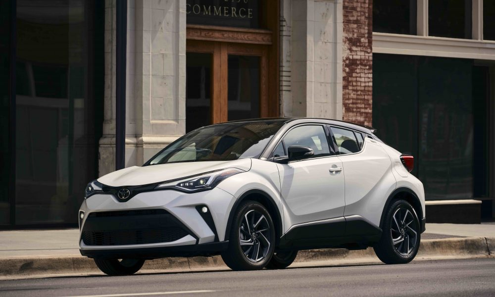 2021_Toyota_CHR_Blizzard Pearl_01