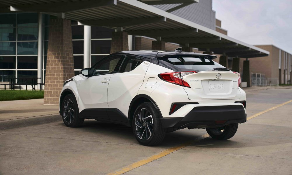 2021_Toyota_CHR_Blizzard Pearl_011