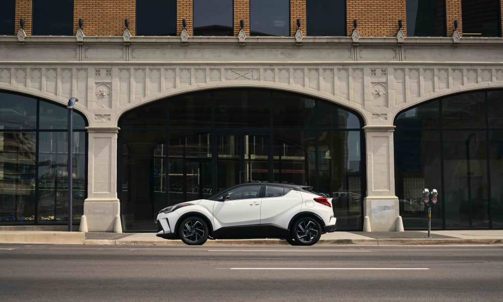 2021_Toyota_CHR_Blizzard Pearl_02