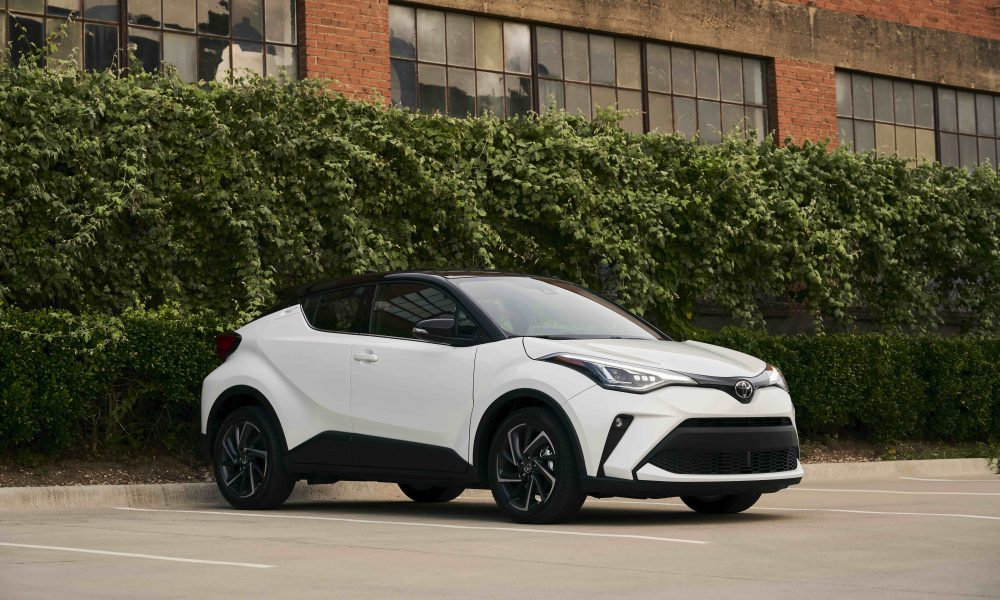 2021_Toyota_CHR_Blizzard Pearl_08