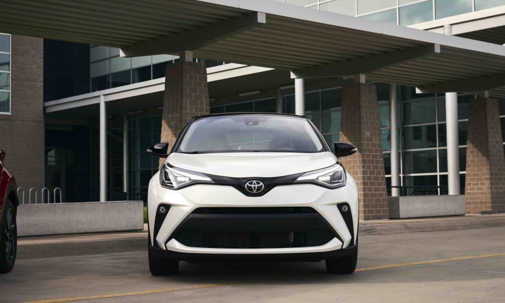 2021_Toyota_CHR_Blizzard Pearl_09