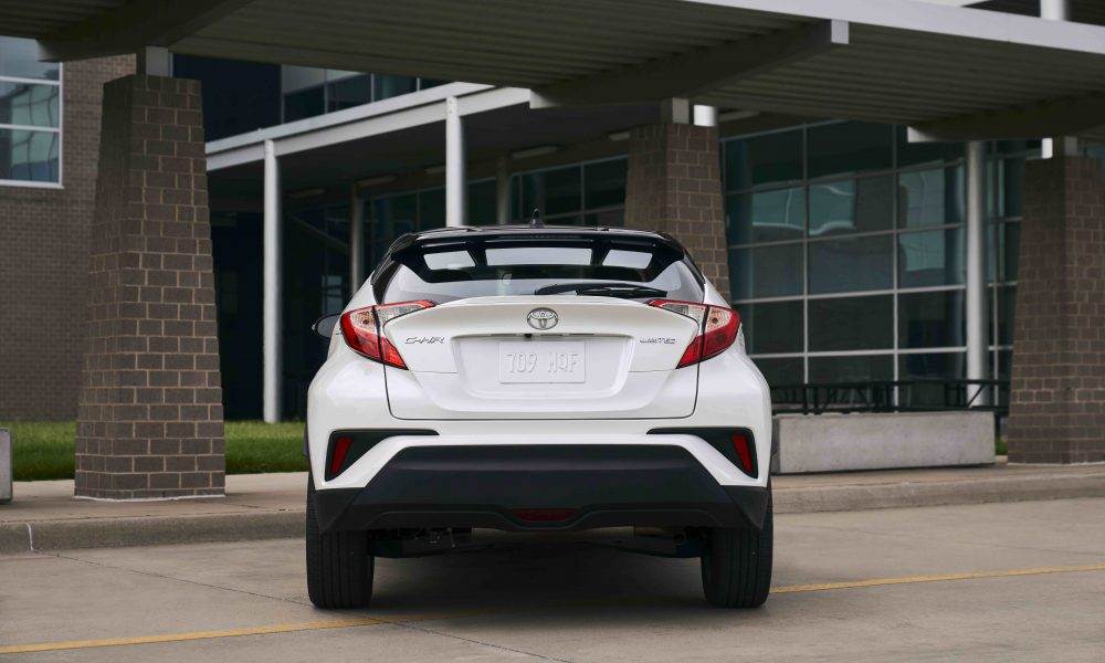 2021_Toyota_CHR_Blizzard Pearl_10