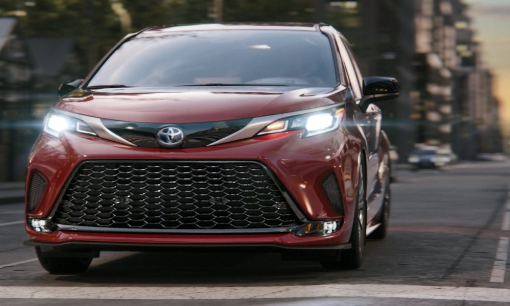 Toyota_The_Sienna_Life_Campaign_Burrell_Bold_Statement
