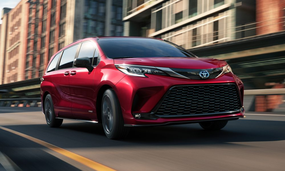 """Toyota's """"The Sienna Life"""" Campaign Celebrates Life's Spontaneous Moments"""