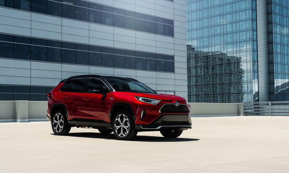 RAV4 Receives Two Kelley Blue Book Best Buy Awards for 2021