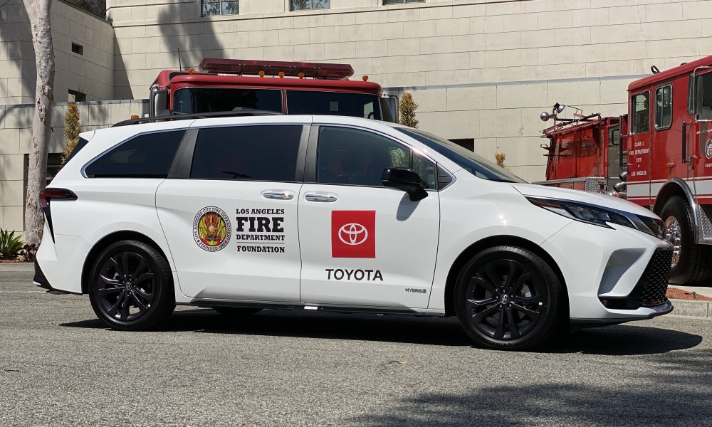 Toyota Helps Los Angeles Fire Department Mobilize COVID-19 Vaccine Efforts